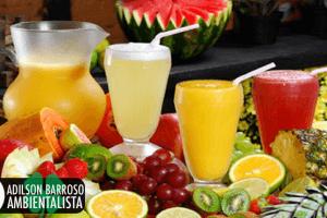 Sucos naturais para combater os sintomas da tpm