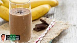 5 milkshakes com banana e morangos veja